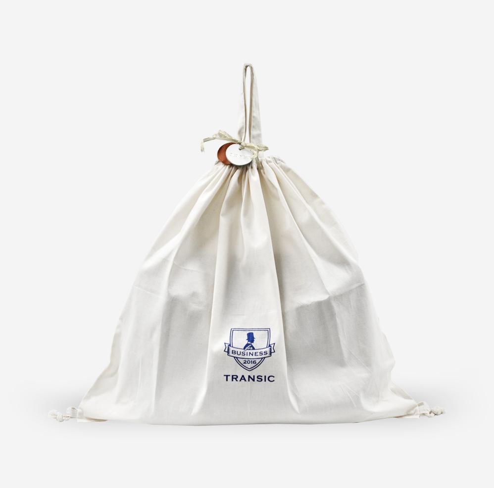 カバンの保管はもちろん 旅行や出張時のランドリーバッグとしても使えます TRANSICオリジナル 鞄保管用 巾着袋 ランドリーバッグ 衣類収納 カバン収納 公式サイト カバン保管 バッグ収納 布袋 袋 限定特価 バッグ保管
