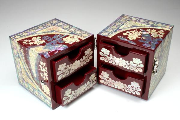 全品 送料無料 螺鈿 らでん 孔雀 宝石箱 伝統工芸品 引き出し付 赤レッド A04-bird-red