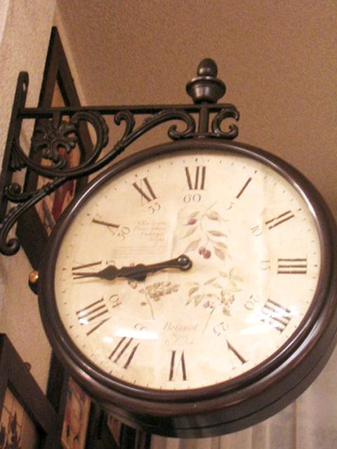 両面時計 掛け時計 ブラケット時計 ブラック ブラウン 黒 クラシック回転時計wa13【送料無料】【大人カワイイ】【0831otoku-f】【新生活】【ラグジュアリー】