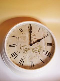 掛け時計 掛時計 時計 壁掛け アンティーク ホワイト 白 薔薇雑貨 ローズ バラ クロック トケイ 【送料無料】オリーブ*オリーブ壁掛け時計wa191w