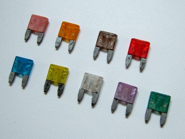 音響性能 ヘッドライトの明るさ改善に 祝開店大放出セール開催中 21世紀時代のヒューズ登場 電導効率アップ ご注文の際には必ず在庫確認お願い致します ミニオートタイプ ※品薄アンペアが多数御座います 新作からSALEアイテム等お得な商品 満載 ナノテクイオンヒューズ