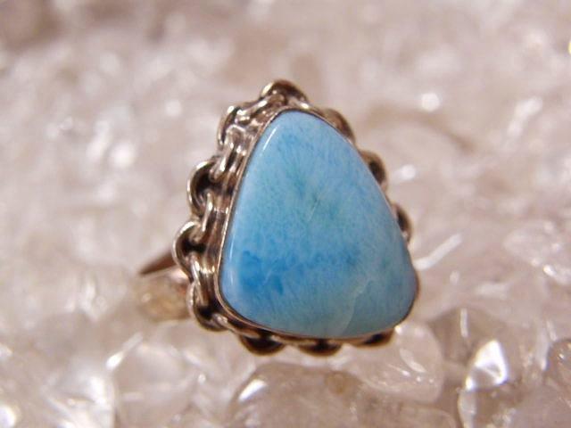 きれいな貝殻のような形☆美しいラリマーのシルバー925リング#18 天然石ジュエリーのお店 リング おしゃれ シルバー925 プレゼントにもおすすめ♪ ハッピーエイト