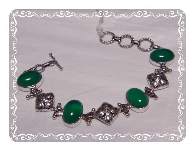 グリーンオニキスとダイヤ型シルバーパーツのトゥグルブレスレット・