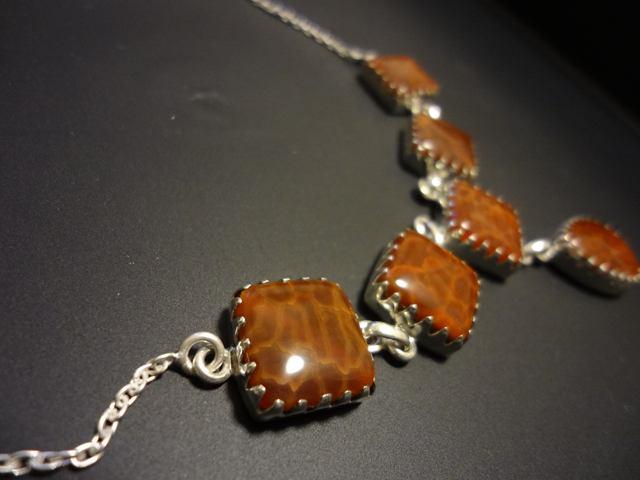 スクエア&しずく形のファイアアゲートのデザインシルバー925ネックレス 天然石ジュエリーのお店 ネックレス ペンダント おしゃれ シルバー925 プレゼントにもおすすめ♪ ハッピーエイト