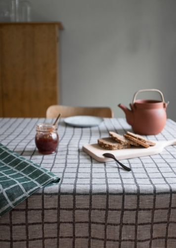 FINE LITTLE DAY | RUTIG JACQUARD WOVEN TABLECLOTH - BLACK (147 x 250 cm) | テーブルクロス