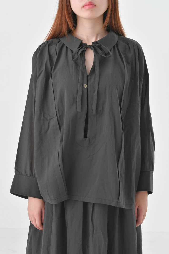 the last flower of the afternoon | 真冬の雨 smock blouse (charcoal) | ブラウス【送料無料 ザラストフラワーオブジアフタヌーン】