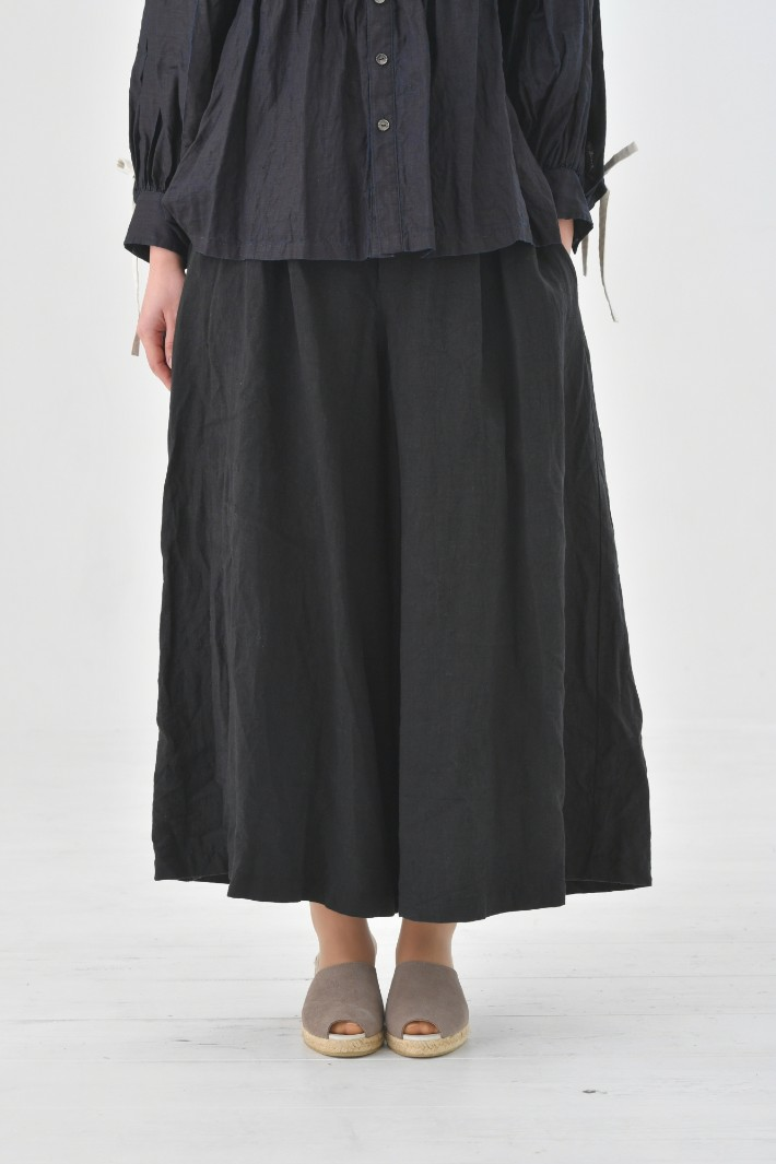 the last flower of the afternoon | かげとひかりのculotte pants (black) | ボトムス