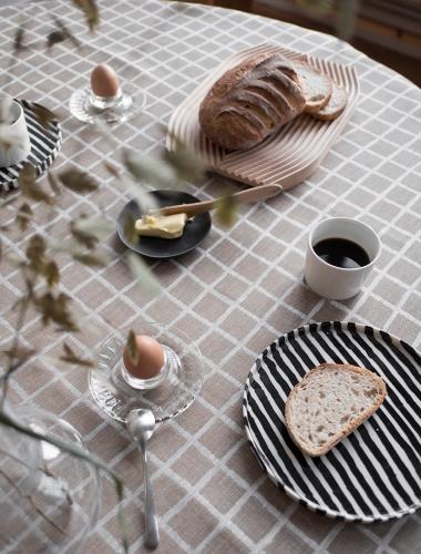 FINE LITTLE DAY | RUTIG JACQUARD WOVEN TABLECLOTH - BROWN (147 x 147 cm) (37112-51) | テーブルクロス【北欧 リネン キッチン インテリア シンプル おしゃれ】