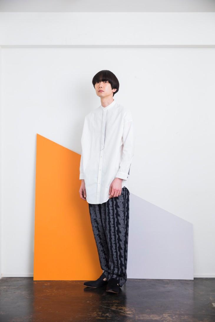 sneeuw (スニュウ) | フォルデッドフロント刺繍シャツ (grey) | トップス【 送料無料 グレー カジュアル シンプル】
