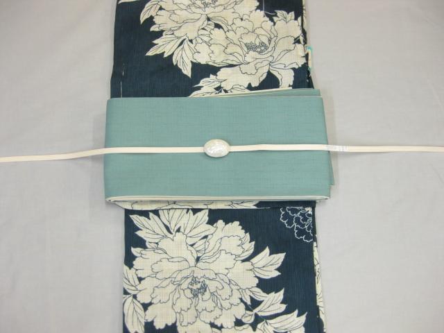女性 浴衣 古典柄 鉄紺 浴衣細帯 帯留4点セットA ターコイズブルー細帯