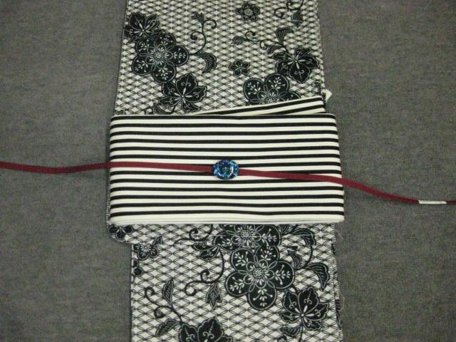 粋!女性用・レディース浴衣・古典柄(黒)浴衣細帯 帯留4点セット-縞細帯