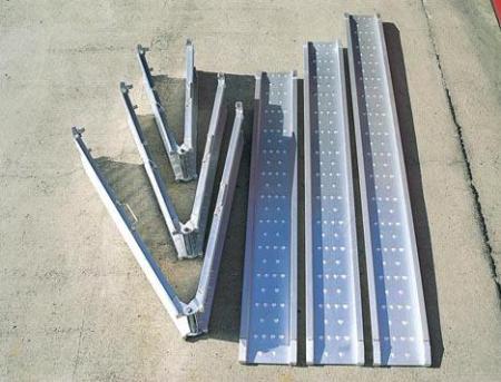 PLOT アルミブリッジ 2.4m ベロ付 MCW 折りたたみタイプ (品番 MCWBERO-240 )