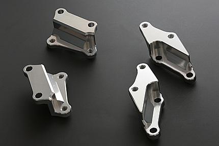 PMC 76-80 Z750-1000、Z1R KYB36専用Billetキャリパーサポート 65mmキャリパー (296mmディスク対応) 左右セット