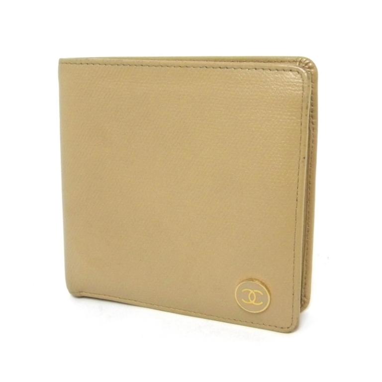 シャネル CHANEL 二つ折り財布 ベージュ 丸ボタン Gカード無 ?シール有【中古】(13325)