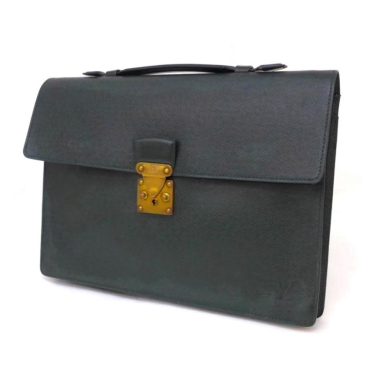 ルイ・ヴィトン ビジネスバッグ ブリーフケース クラド M30074 タイガ エピセア 【中古】(42070)