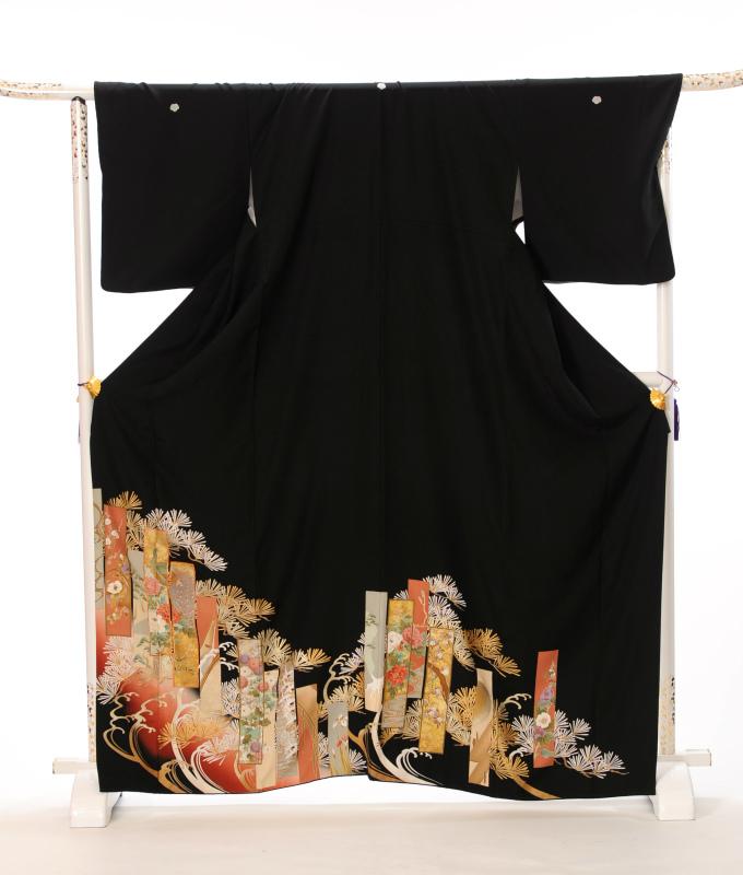 短冊に描かれた四季の花々が華やかです 格式高く品の良い逸品です 結婚式新郎新婦の母 祖母の定番衣裳 お母様 お祖母様 ご親族様用 安心の実績 高価 買取 強化中 往復送料無料 レンタル 留袖レンタル 留袖 着物レンタル レンタル着物 黒留袖フルセットレンタル 貸衣裳 とめそで 留め袖 着物 短冊 レンタル留袖 149cm~169cm位まで 女性和服 結婚式 足袋 超激得SALE 肌着プレゼント 8AA16