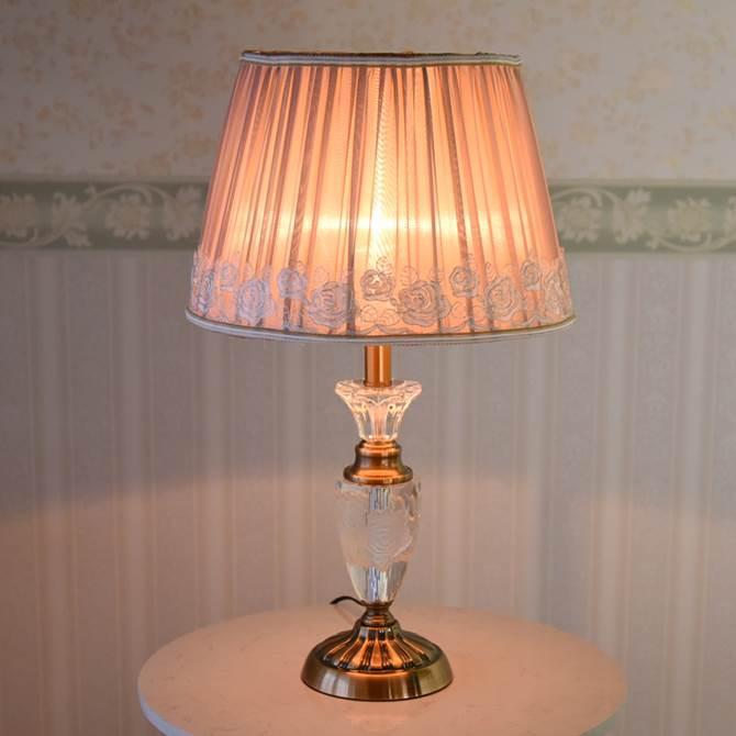 テーブルランプ おしゃれ アンティーク かわいい モダン エレガント ロココ 新型 薔薇のテーブルランプ ランプ ベッドサイド コンセント コンセントタイプ クラシック アンティーク調 ヨーロピアン 薔薇 シェード ばら バラ ローズ 姫系
