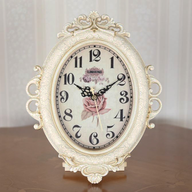 時計 壁掛け オンラインショップ レディース 置き時計 おしゃれ アナログ かわいい リビング ミニ アンティーク オーバル ヨーロピアン 姫系 雑貨 置き掛け 薔薇 置き掛け兼用 インテリア 掛け時計 ホワイト ※アウトレット品 薔薇の置き掛け兼用時計 ロココ調 エレガント バラ ローズ 置時計 兼用