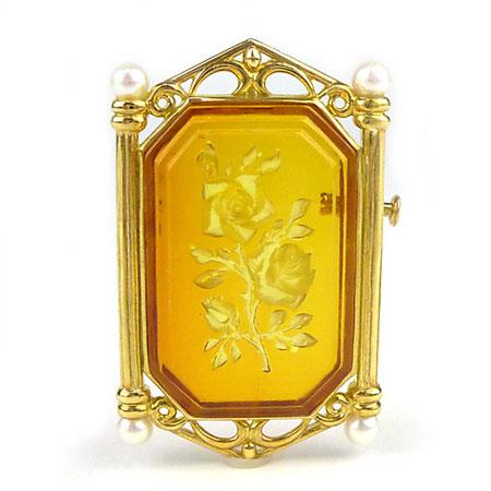 【送料無料】ジュエリー・アクセサリー 新品 【コハク ブローチ兼ペンダントトップ K18】琥珀に美しいバラを描き、まるで額に入った絵画のような気品のあるブローチ(ペンダントトップ)です♪