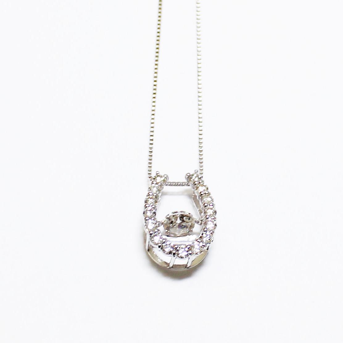 K18WG ダイヤ ダンシングストーン ペンダント ネックレス ダイヤ 0.5ct 馬蹄 ホワイトゴールド【新品】
