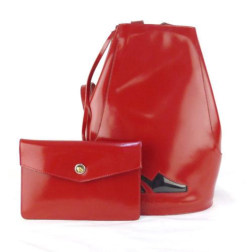 【中古】【送料無料】【SalvatoreFerragamo サルバトーレフェラガモ】巾着 リュックサック バックパック ハンドバッグ 2Way パテントレザー 赤