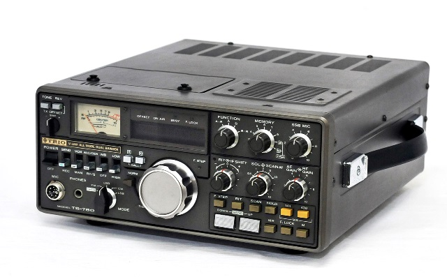 All mode dual band transceivers for 'not quite perfect' product special  price TRIO trio Kenwood Kenwood V-UHF DUAL BANDER(V-UHF dual Vander)  amateur
