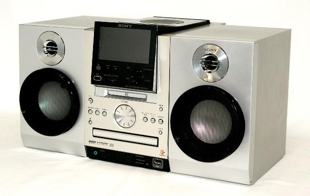 【中古】迅速発送+送料無料!!1点のみ早い者勝ち <訳あり>※MD使用不可 SONY ソニー NAS-M70HD(S)シルバー HDD搭載ネットワークオーディオシステム NET JUKE(ドック/HDD/CD/AM/FMラジオコンポ)(本体NAS-M70HDとスピーカーSS-M70HD)【@YA管理1-53R-5035539】