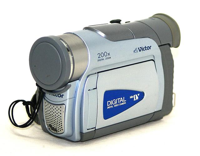 【中古】迅速発送+送料無料!! 《ジャンク品》 Victor ビクター JVC GR-D50K デジタルビデオカメラ ミニDV方式 光学16倍ズーム【@YA管理1-53-088J3384】