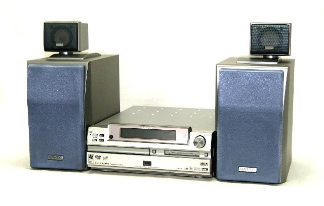 【中古】迅速発送+送料無料!値引交渉歓迎!1点のみ早い者勝ち KENWOOD ケンウッド JVC VC-7DVD シルバー DVD/MD一体型ミニコンポ(DVDハイエンドシステム)(本体RMD-VC7DVDとスピーカーLS-VC7のセット)【@YA管理1-53-21000855】