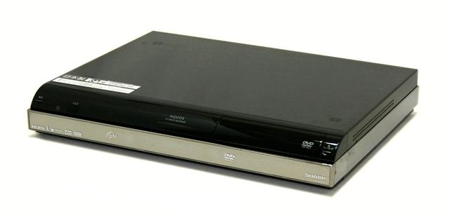 【中古】迅速発送+送料無料!値引交渉歓迎!1点のみ早い者勝ち <訳あり品> SHARP シャープ DV-ACW52 AQUOS アクオス ハイビジョンレコーダー(HDD/DVDレコーダー) HDD:250GB 地デジWチューナー搭載 リモコン欠品【@YA管理1-53R-1143325】