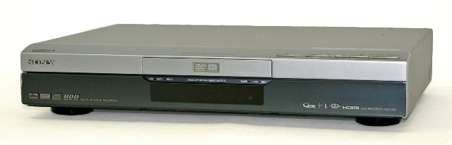 【中古】迅速発送+送料無料+動作保証!値引交渉歓迎! SONY ソニー RDZ-D90 HDD/DVDレコーダー(ハイビジョンレコーダー)スゴ録 地上デジタルチューナー内蔵 HDD:400GB【@YA管理1-53-8505175】
