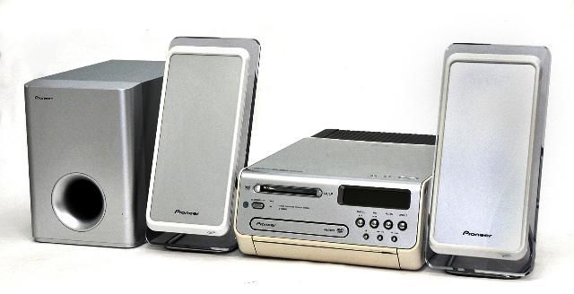 【中古】迅速発送+送料無料+動作保証!値引交渉歓迎! Pioneer パイオニア X-PR9DV(S) DVDミニコンポ(DVD/CD/MD/チューナーコンポ) MP3/WMA/DVD-RW再生対応 (本体XV-PR9DVとスピーカーシステムS-PR9-LRWのセット)【@YA管理1-53-004492877】