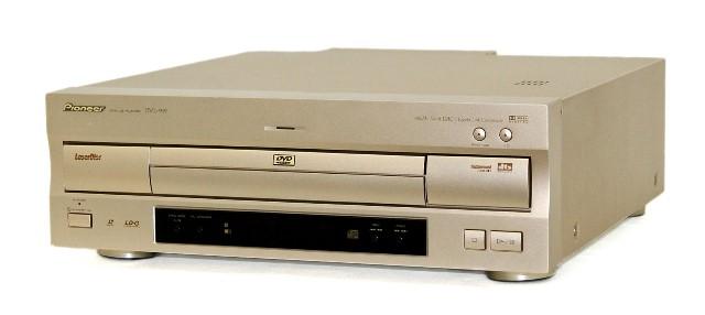 【中古】迅速発送+送料無料!! 《ジャンク品》 PIONEER パイオニア DVL-919 (ゴールド) レーザーディスクプレーヤー DVD/LD/CD PLAYER 本体のみ【@YA管理1-53R-TLPP014757JP】