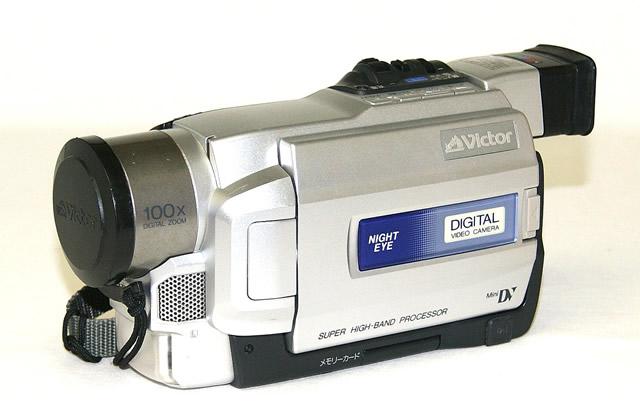 【中古】迅速発送+送料無料!値引交渉歓迎! 《訳あり(一部保証対象外)》 ※液晶モニターに難あり Victor ビクター JVC GR-DVA22K 液晶付きデジタルビデオカメラ ミニDV方式【@YA管理1-53-08731428】