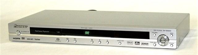 【中古】迅速発送+送料無料+動作保証!値引交渉歓迎! PIONEER パイオニア DV-696AV (シルバー) DVDプレーヤー SACD/DVDオーディオ対応プレーヤー【@YA管理1-53-GAKD017361JP】