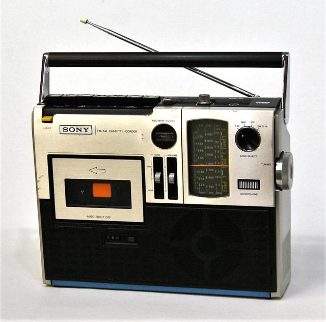 【中古】迅速発送+送料無料!! 《訳あり(一部保証対象外)》 ※カセットNG SONY ソニー CF-1760 studio1760 FM/AM/SWラジオカセットコーダー (モノラル) 【@YA管理1-53R-22951】