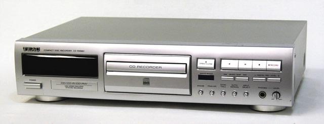 【中古】迅速発送+送料無料+動作保証!! TEAC ティアック CD-RW880 シルバー CDレコーダー【@YA管理1-53-OAB9900056】
