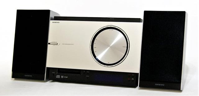 【中古】迅速発送+送料無料+動作保証!! ONKYO オンキヨー(オンキョー) X-T1 CD/MDコンポ(本体FR-T1とスピーカーD-T1のセット)【@YA管理1-53-5745607323D】