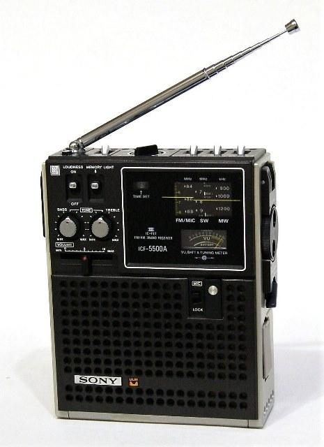 【中古】迅速発送+送料無料+動作保証!値引交渉歓迎! SONY ソニー ICF-5500A スカイセンサー 3バンドレシーバー FM/MW/SW(BCLラジオ)【@YA管理1-53-56402】
