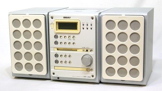 【中古】迅速発送+送料無料+動作保証!値引交渉歓迎! SONY ソニー CMT-J300-W ホワイト CD/MD/カセット/チューナーミニコンポ(本体HCD-J300・スピーカーSS-CJ300のセット) リモコン代替品 スピーカーはおまけ扱い【@YA管理1-53-2507317】