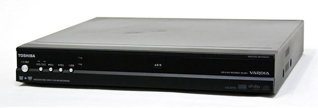 【中古】迅速発送+送料無料+動作保証!値引交渉歓迎! TOSHIBA 東芝 RD-E301 デジタルハイビジョンチューナー内蔵ハードディスク&DVDレコーダー(HDD/DVDレコーダー)ダビング10対応 HDD:300GB【@YA管理1-53-SLC8100361】