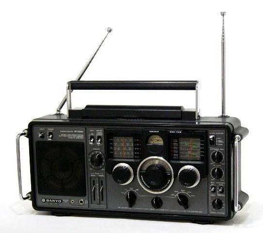 【中古】迅速発送+送料無料!! 《ジャンク品》 SANYO 三洋 RP 8880 海外向けBCLラジオ 9バンドレシーバー(FM/LW/MW/MB/SW1~5)【@YA管理1-53R-V55240208】