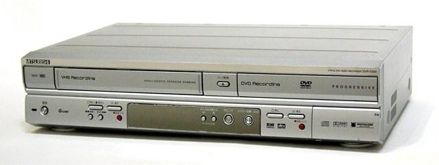 【中古】迅速発送+送料無料!値引交渉歓迎! 《ジャンク品》 MITSUBISHI 三菱 ミツビシ DVR-S300 DVD/VHSデッキ(VHS一体型のDVDレコーダ) 【@YA管理1-53R-0091345】