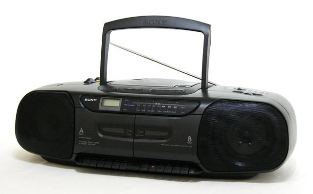 【中古】迅速発送+送料無料!値引交渉歓迎! 《訳あり(一部保証対象外)》 SONY ソニー CFD-W110 ブラック CDステレオラジオカセット【@YA管理1-53R-5345457】