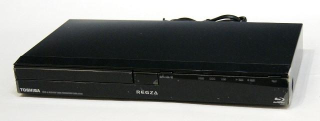 【中古】迅速発送+送料無料+動作保証!! TOSHIBA 東芝 DBR-C100 ブルーレイディスクレコーダー(HDD/BDレコーダー) HDD:320GB 地デジチューナー搭載  専用リモコン付【@YA管理1-53-4051X25862】
