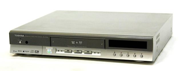 2020 メーカー:TOSHIBA 発売日:2002年11月 中古 迅速発送+送料無料 値引交渉歓迎 《訳あり 一部保証対象外 》 専用リモコン付 DVDビデオレコーダー RD-XS30 TOSHIBA 東芝 @YA管理1-53R-SLC2Z07559 定番 HDD HDD:60GB