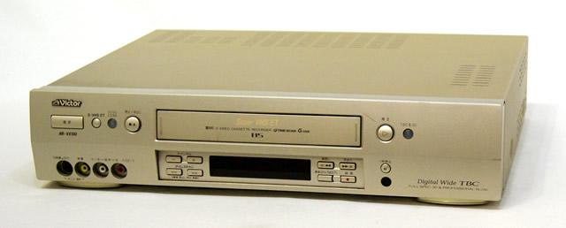 メーカー:Victor JVC 発売日:1998年9月10日 中古 迅速発送+送料無料 動作保証 Victor ビクター ヴィンテージ 安売り 専用リモコン付 HR-VX100 大規模セール @TA管理1-53-173J1962 アンティーク レトロ ビンテージ S-VHSビデオデッキ