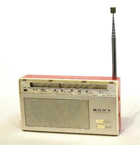 【中古】迅速発送+送料無料!! 《ジャンク品》 SONY ソニー TR-819X レッド 8石トランジスター BC/SW 2バンドラジオ (中波/短波) ビンテージ ヴィンテージ レトロ アンティーク【@YA管理1-53-A-06】