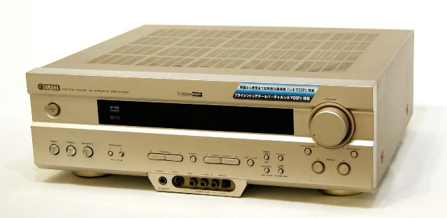 メーカー:YAMAHA 発売日:2002年3月10日 中古 業界No.1 迅速発送+送料無料 動作保証 YAMAHA ヤマハ DSP 専用リモコン付 @YA管理1-53-Y019151PR ブランド品 N AVアンプ ゴールド DSP-AX520