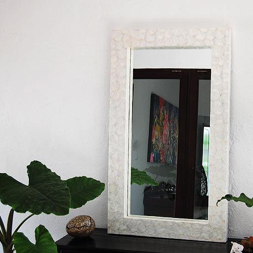 シェルミラー(ホワイト) 120×70/鏡 ミラー 姿見 全身 壁掛け 全身鏡 全身姿見 ワイドミラー 角型 玄関 リビング 廊下 シェル カピス貝 カピスシェル おしゃれ ナチュラル モダン インテリア アジアンテイスト バリ ハワイアン リゾート サロン 美容室 白